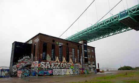 The Alvsborgsbron bridge and the Roda Stens arts centre in Gothenburg.