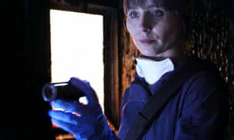 Eve Lockhart (Tara Fitzgerald) in The Body Farm