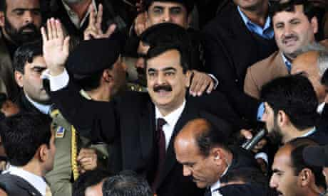 Pakistan prime minister arrives at court