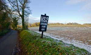 Rail union leaders say the goverment must not give in to opponents of HS2 through the Chilterns