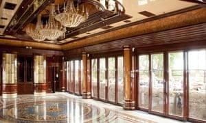 Ukrainian President Viktor Yanukovych luxurious Mezhyhirya residence
