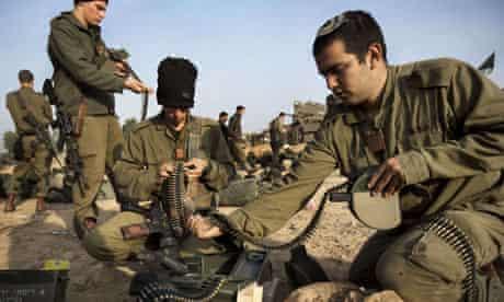 Israeli soldiers near Gazan border
