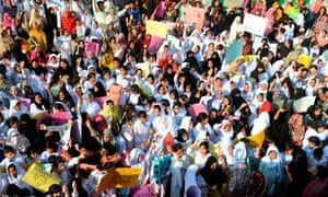 Pakistani students of Farooqi G