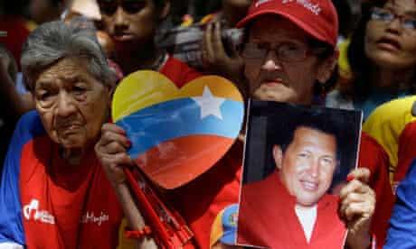 Hugo Chávez supporters gather at Simon Bolívar Square