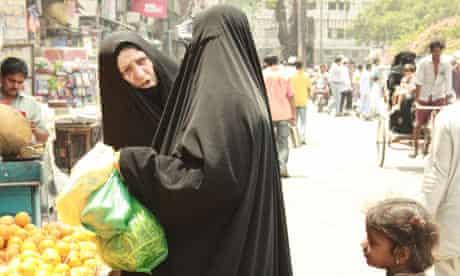 Two women shopping in Delhi