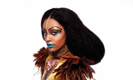 Illamasque makeup