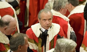 Lord Sugar has advised his Twitter followers not to vote for Ken Livingstone for London mayor.