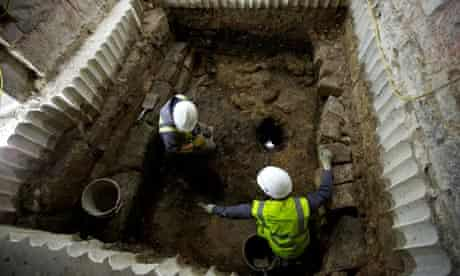 Field archaeologists Ian Milsted and Jim Williams in the dig site at York Minster