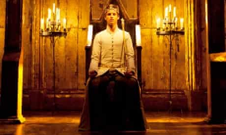 Have we started yet…? Eddie Redmayne in Richard II