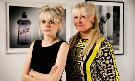 Scarlett Carlos Clarke and her mother Lindsey