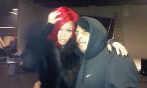 The Measure: Rihanna's twitpics