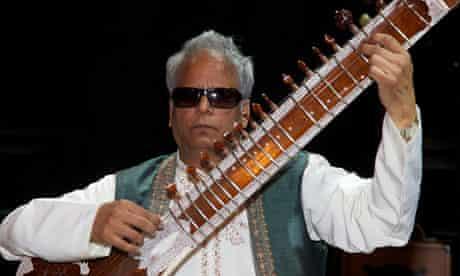 Baluji Shrivastav recruited 13 fellow blind musicians to the Inner Vision Orchestra