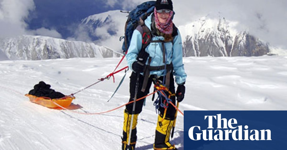 Newspaper Readers Winter Dilemma >> Mount Everest The Ethical Dilemma Facing Climbers World News