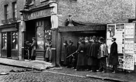 The siege of Sidney Street in East London, 1911