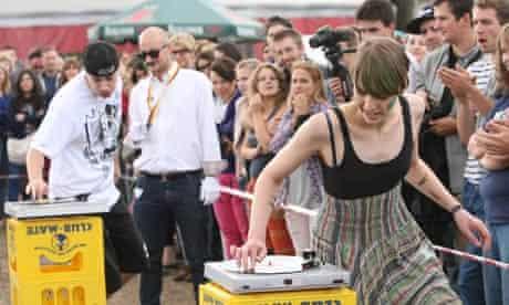 Vinyl record spinning contest, Berlin Hipster Olympics 2012