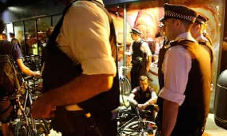 Police arrest critical mass cyclists