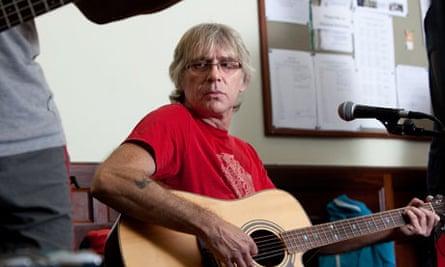 Gary on lead guitar.