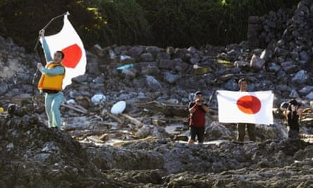 Japanese activists on disputed island