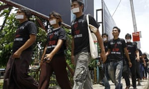 Burma journalists protest