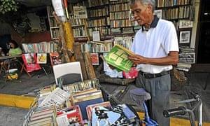 Hernando Guanlao, librarian, Manila