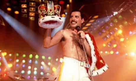 Freddie Mercury performing with Queen in 1985