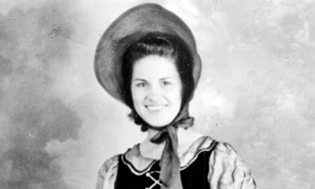 A portrait of Kitty Wells from around 1943.