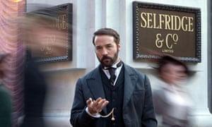 Jeremy Piven as Harry Selfridge.