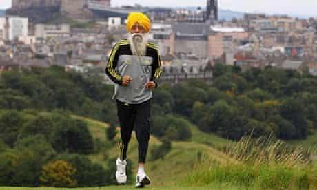 Fauja Singh running in Edinburgh in 201..