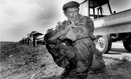 Serbs flee a 1995 Croatian assault on Krajina