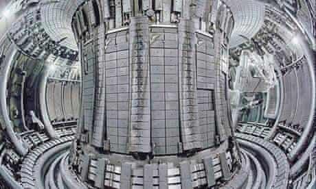 The toroidal chamber-magnetic (tokamak) of the Joint European Torus (Jet)