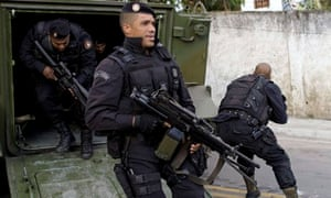 Police in Rio's Lins favela