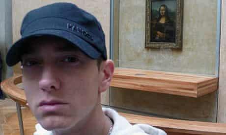 Eminem in front of Monsa Lisa.