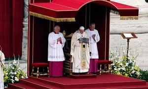 Pope Francis holds the relics of the Peter o