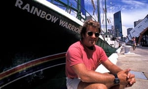 Peter Wilcox with the Rainbow Warrior, which he captained, in Sydney harbour, in 1986.