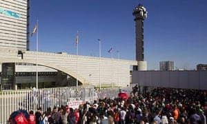 Spanish TV station staff in revolt over closure