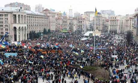 Independence Square, Kiev, crowded by rallying supporters of EU integration.