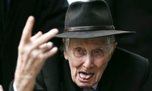 Ronnie Biggs as the funeral of Bruce Reynolds
