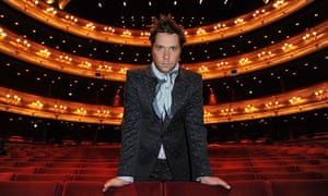 Rufus Wainwright standing in the stalls of the Royal Opera House in 2010