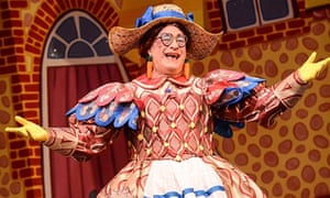 Jack and the Beanstalk, Nottingham Playhouse: Kenneth Alan Taylor as Dame Daisy