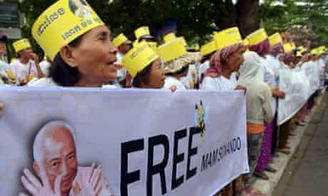 Cambodian supporters of Mam Sonando