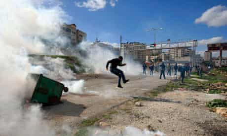 Palestianian protesters Ofer prison