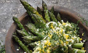 Yotam Ottolenghi's grilled asparagus with avocado and horseradish