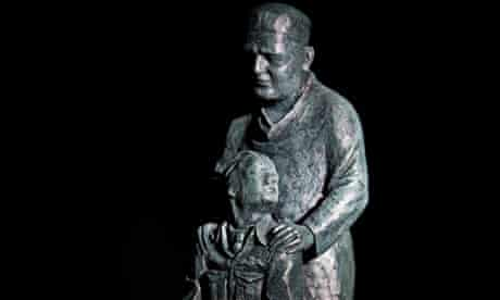 The Sir Archibald McIndoe memorial Statue maquette by Martin Jennings.
