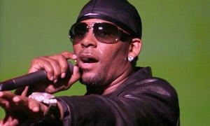 R Kelly on stage in Los Angeles