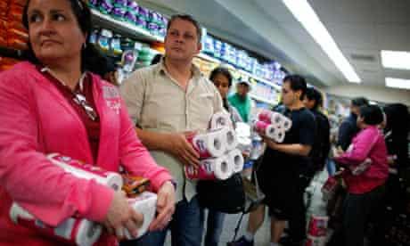 Venezuelans buy toilet rolls