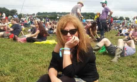 Suzanne more looking a bit grumpy in wellies at Glastonbury