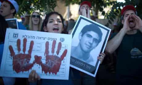Israeli bereaved families demonstrate