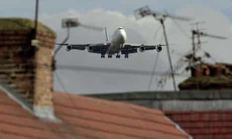 Plane flies over house on the Heathrow flight path