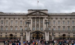 Buckingham palace offers zero hour contracts