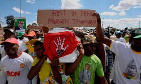 Supporters of Robert Mugabe